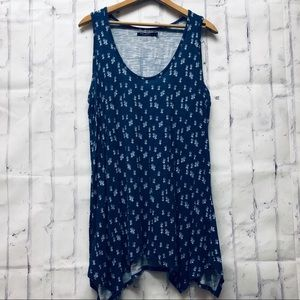 Max Jeans tank with pineapples sz L